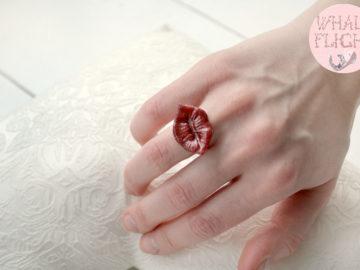 "кольцо ""Губы"""