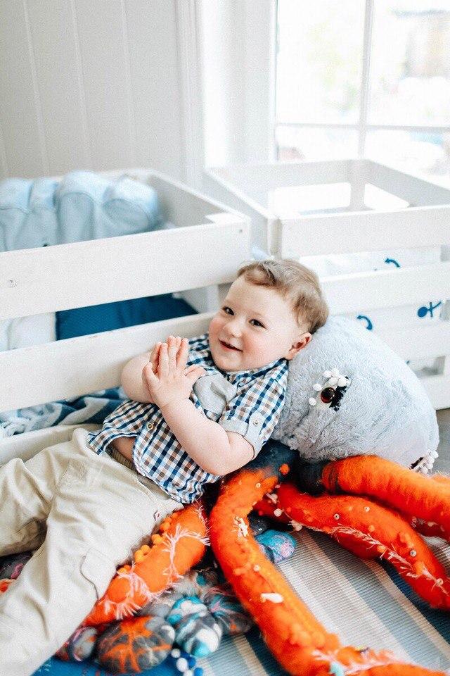 Мягкий осьминог (игрушка-подушка)